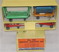 Nice Boxed Lionel 163 Freight Station Set